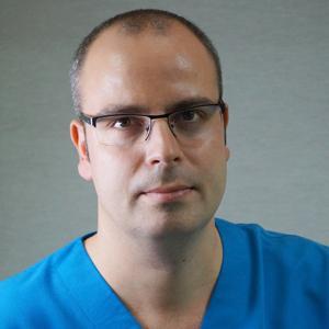 Dr. Viktor Deszi